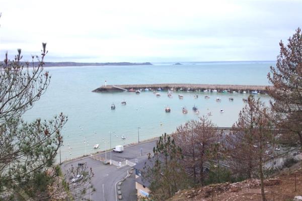 Le cap et le port d 39 erquy visitez les environs de erquy dans les c tes d 39 armor en bretagne - Port de peche cote d armor ...